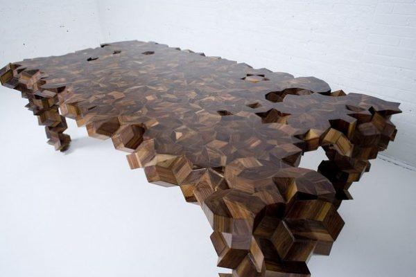 Шикарный обеденный стол из дерева