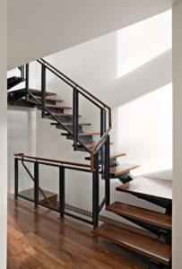 ФОТО Лестницы на металлокаркасе.