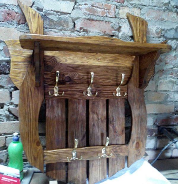 Деревянная вешалка для бани купить