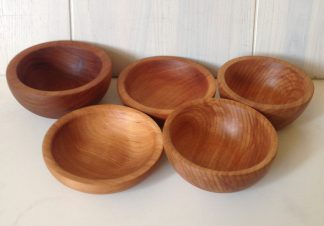 Деревянные миски и тарелки