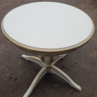 Деревянный стол круглый