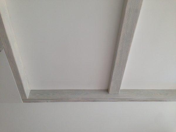 Декоративные балки на потолок