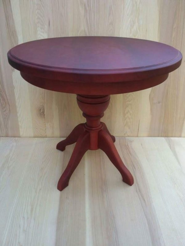 Деревянный стол на одной ноге