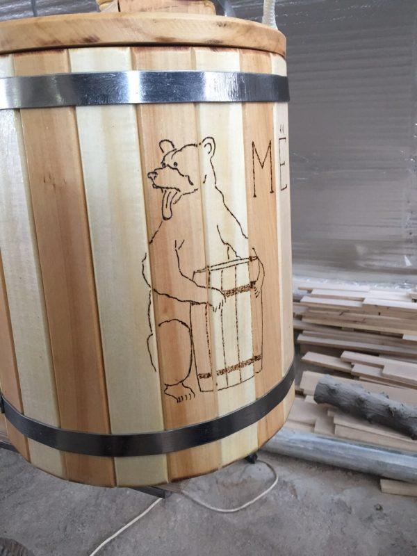 Бочка из дерева для меда