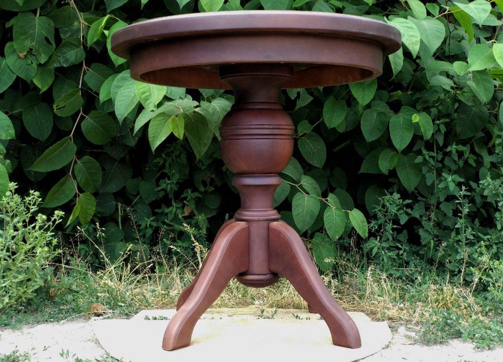 Деревянный круглый стол из ольхи