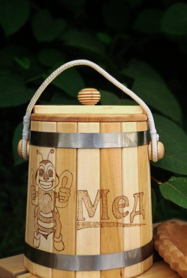 Деревянная бочка для мёда