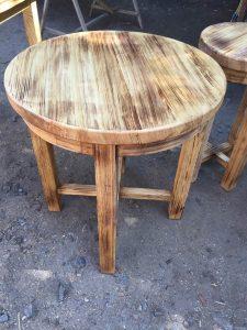 Стол круглый из дерева для кафе купить в Харькове