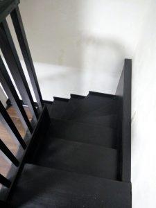 Темная лестница фото2